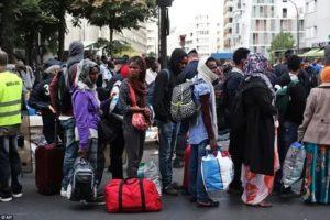 Можно ли переехать во францию из россии как экономический беженец