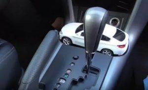 Можно ли толкать машину с коробкой автомат в режиме парковки
