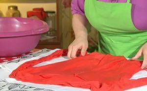 Как растянуть трикотажное платье на размер больше в домашних условиях