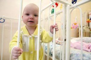 Как живут новорожденные отказники в доме малютки