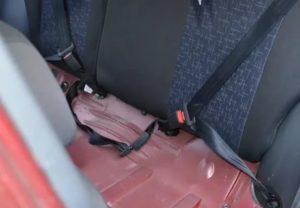 Как установить ремень безопасности на заднее сиденье