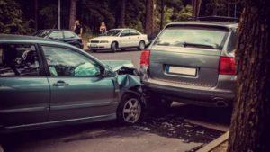 Повреждение автомобиля на стоянке судебная практика